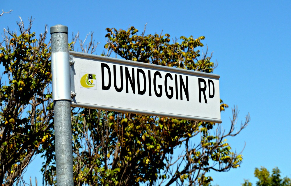 Funny australian sign - Done Digging